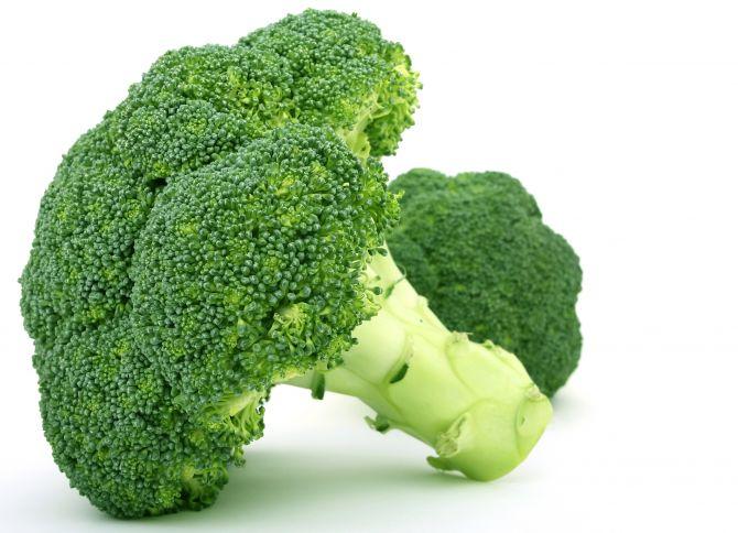Crema di broccoli al pepe rosa