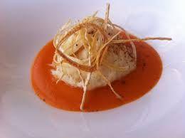 Coquille Saint Jacques grillées avec crème de poivrions au gingembre